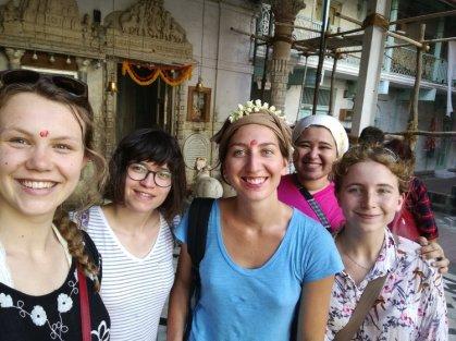 De droite à gauche, Becky, Aya, Marine, Fatma et moi