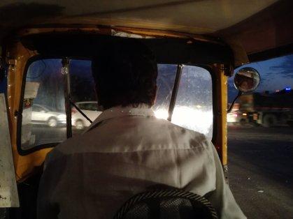 Trajet en rickshaw de nuit